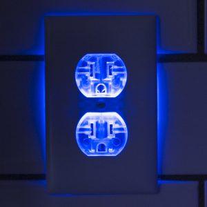 Leovolt - Night light Outlet